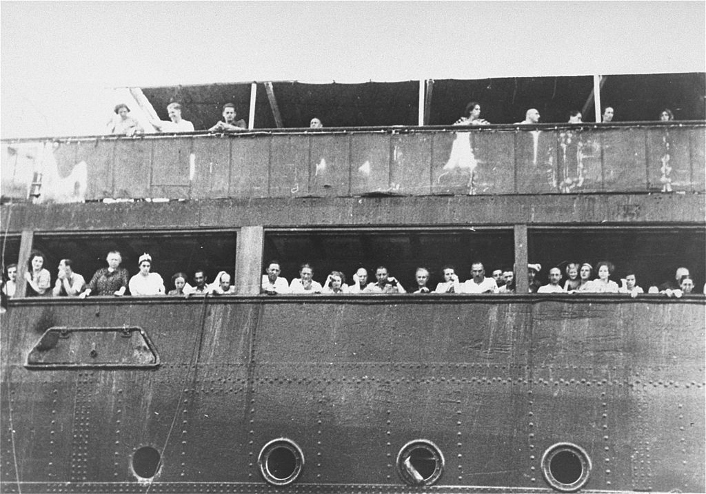 1024px-Jewish_refugees_aboard_the_SS_St._Louis_in_Cuba.jpg