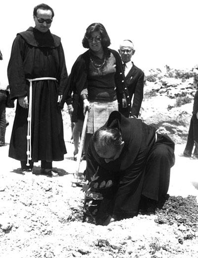 Father Ruffino Niacci.jpg